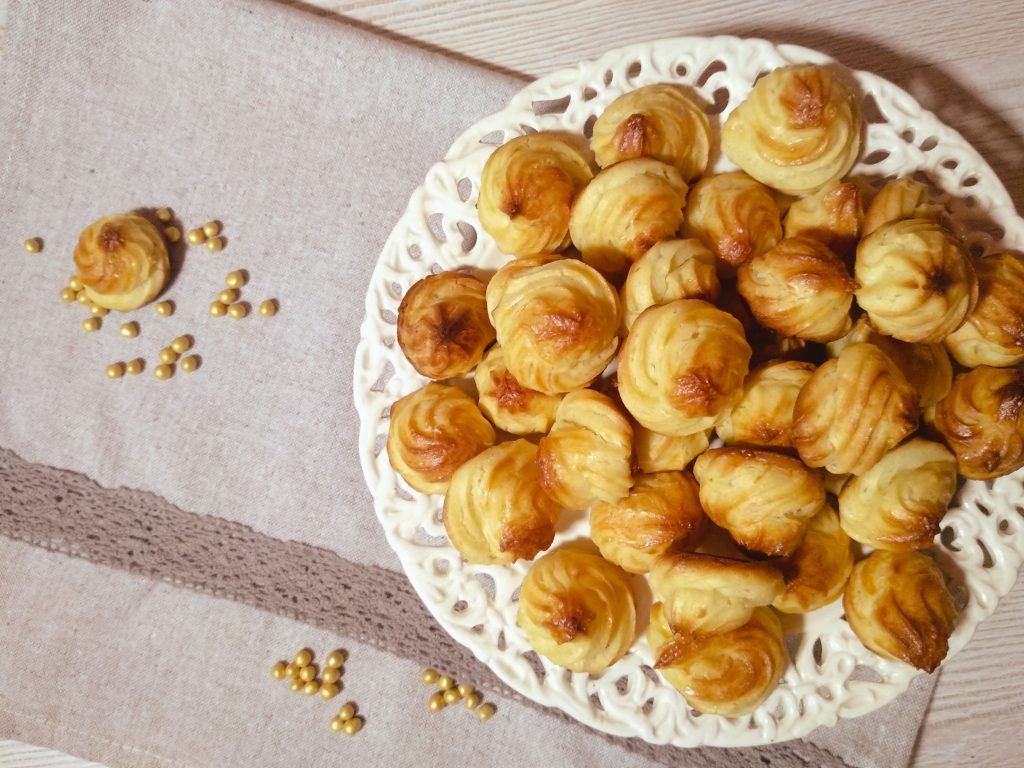 Choux pastry biscuits